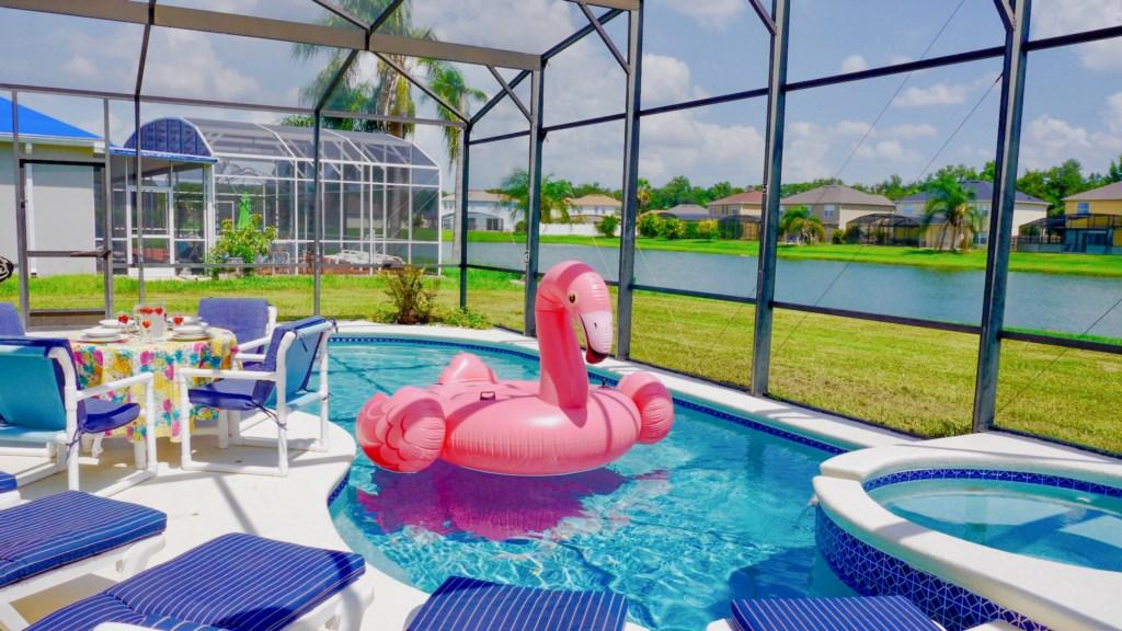 Gorgeous 30ft Pool!