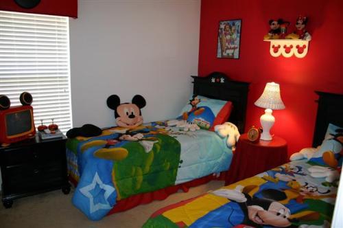 Disney twin room