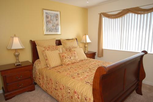 Queen Bedroom overlooking lake