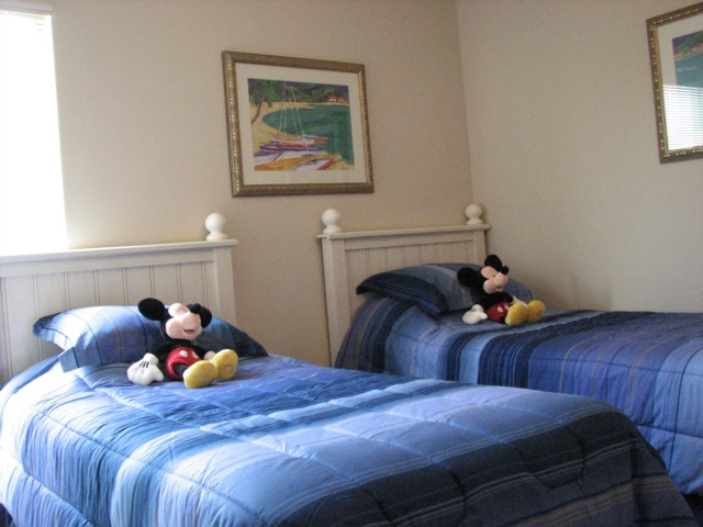 Mickeys blue twin room