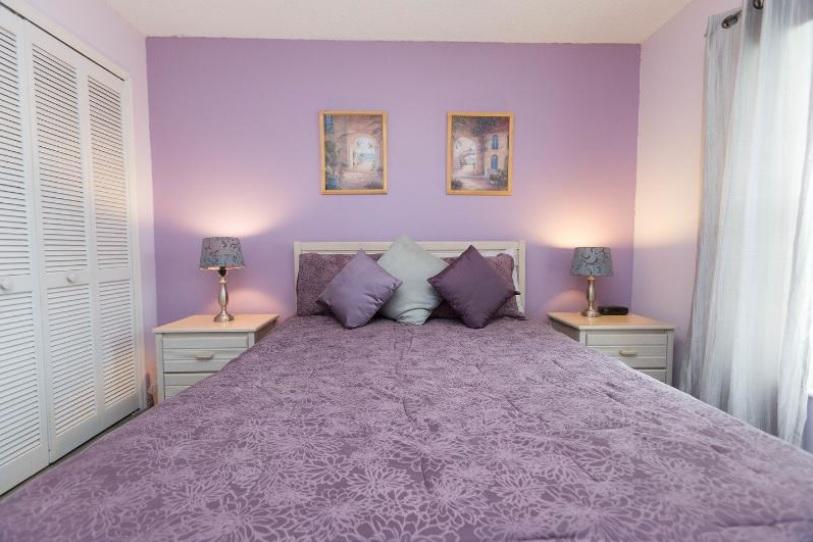 Bedroom 2 (US Queen Size)