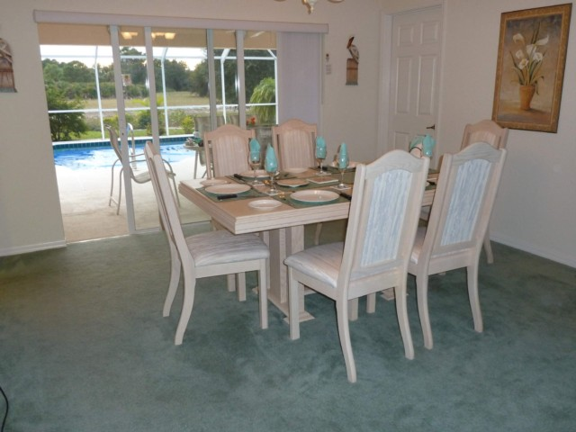 Dining Area to Pool