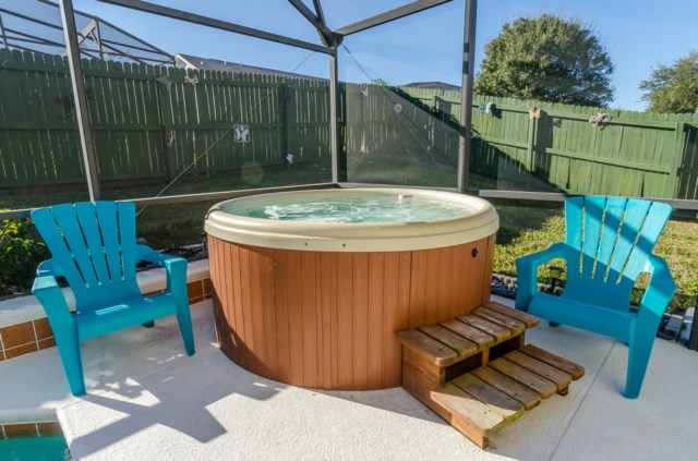 Stand alone hot tub