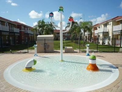 Community splash pool