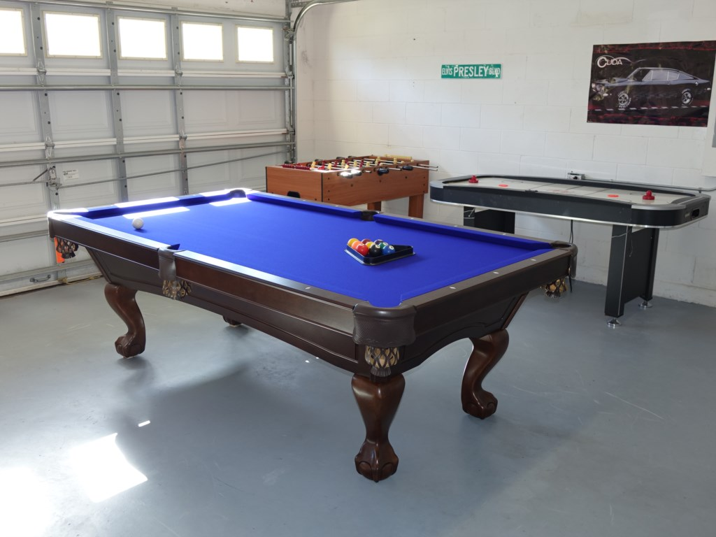Game room slate bed pool table