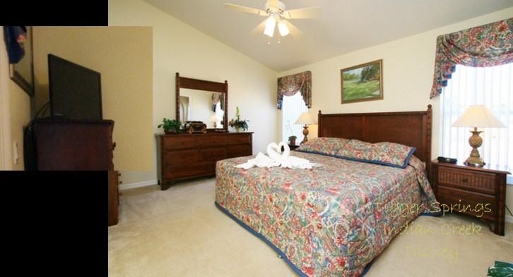 King ensuite bedroom