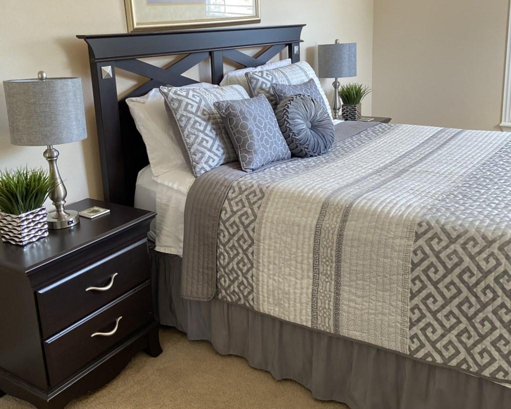Queen Bedroom with en-suite