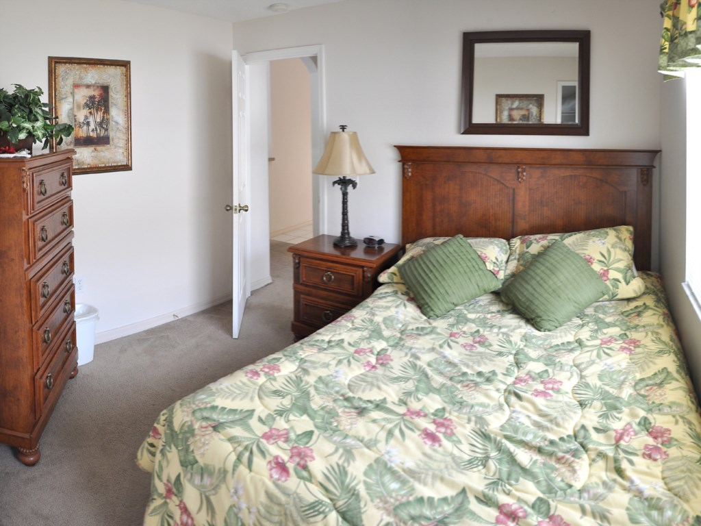 The 3rd Bedroom featuring a Qu