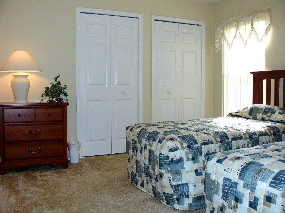Twin bedroom with co ordinatin