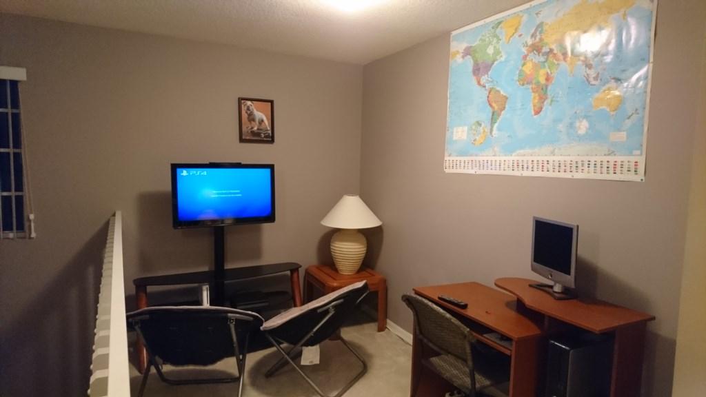 Loft with PS4, Wii & Desktop C