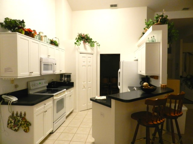 Kitchen with everything you ne